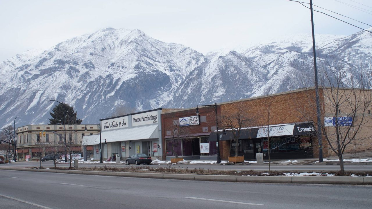 Springville_Utah_Main_Street_with_mountain_background_optimized